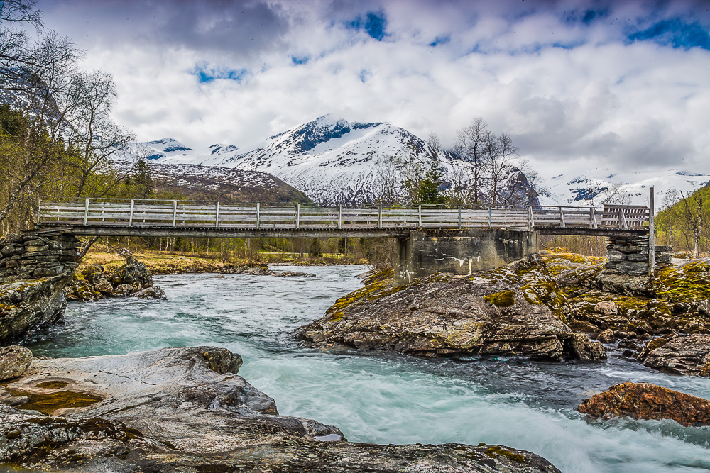 Fredfyldt elv, nær Trollstigen